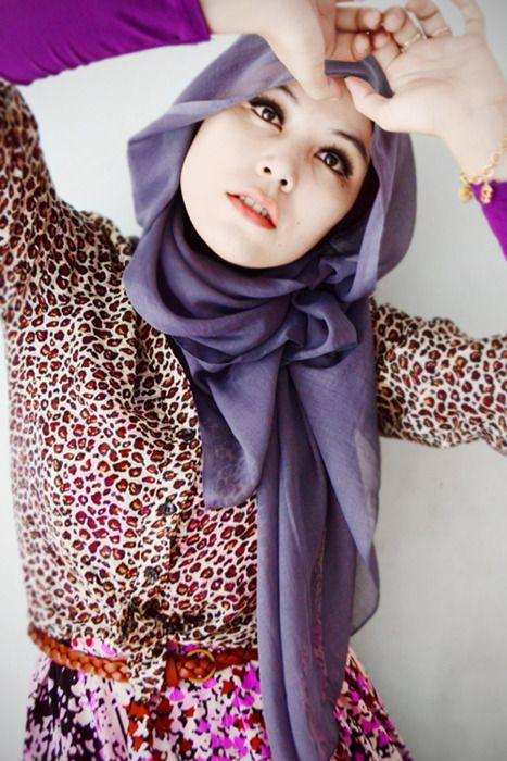 Purple cheetah print hijabi