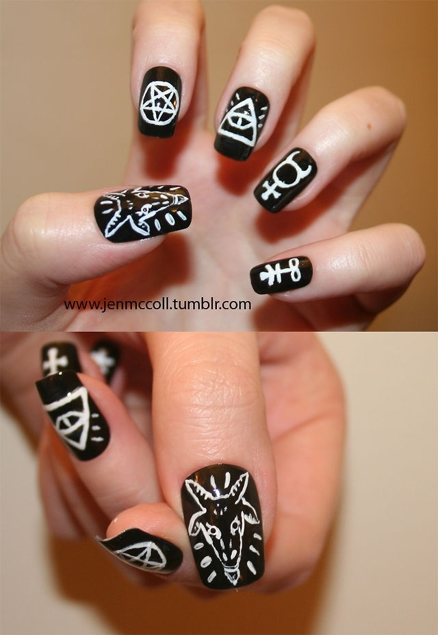Hmm now I know what do with my nails on halloween.