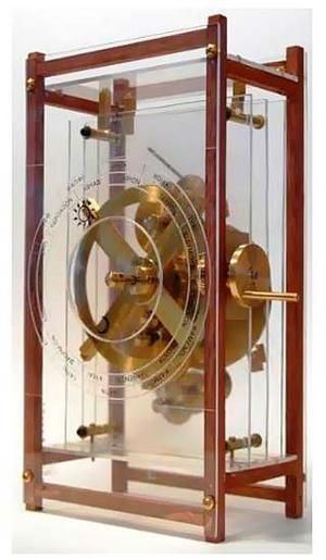Replica of the Antikythera mechanism. The artifact was discovered within an ancient shipwreck off the nearby isle of Antikythera, between Kythera and Crete . It has been dated to about 150-100 BC. Technological devises of similar complexity appeared a thousand years later, scholars have noted.