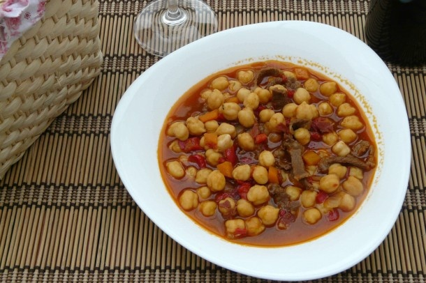 Garbanzos con ternera.