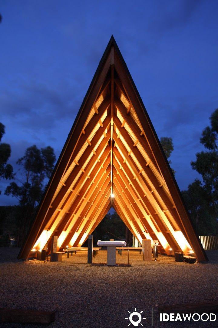 Capela em madeira