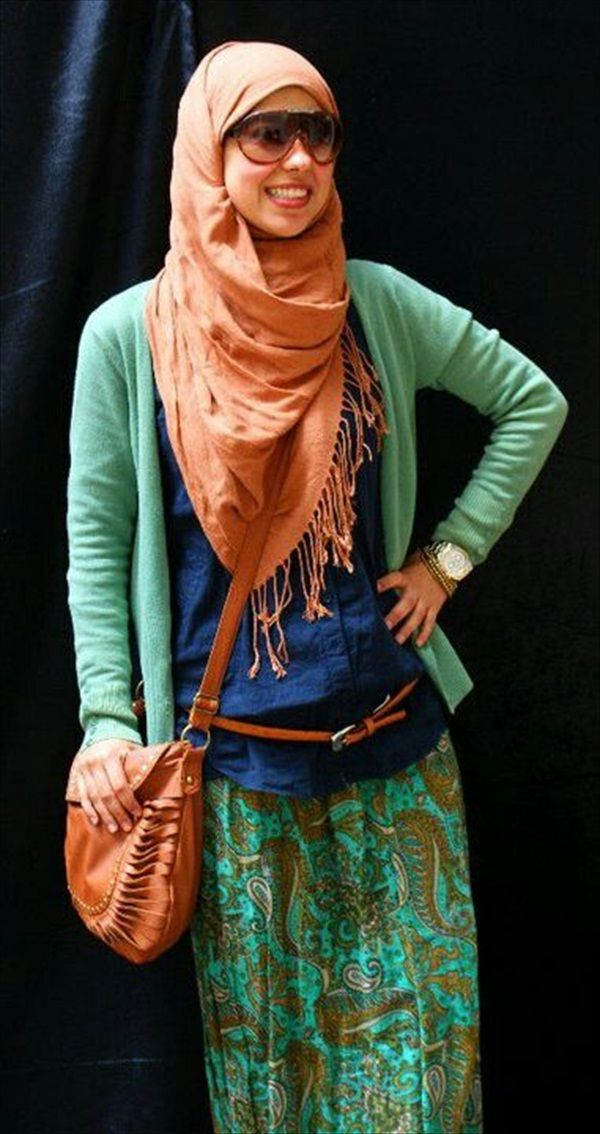 I don't wear hijabs, but I could rock the rest of this outfit :)