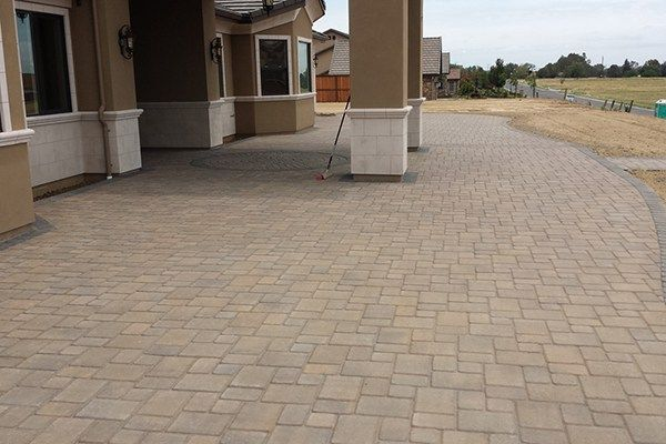 45 Inspiring Paving Stone Driveway Your Home Look Beautiful Patio Stones Paver Stone Patio Stone Driveway