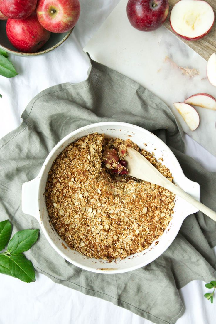 Apple & Cranberry Quinoa Crumble // The Green Life: