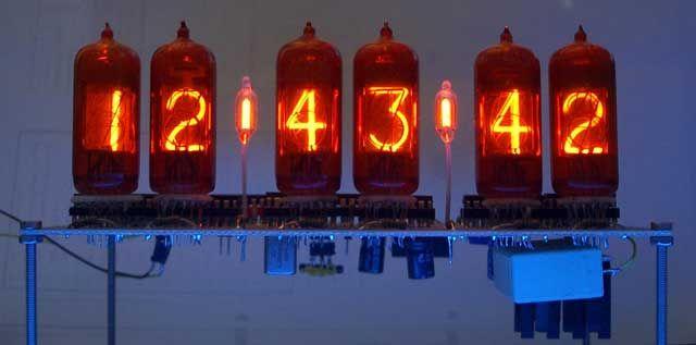 Cool Vacuum Tube Clock! http://blog.onlineclock.net/vacuum-tube-clock-kits/