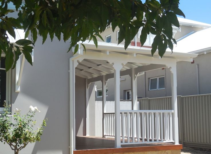 Front veranda by Castlegate Home Improvements Perth