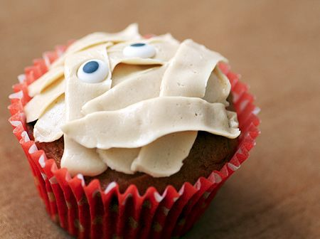 18 Scary Good Cupcake Recipes You Need to Try This Halloween !