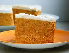 Dieser roher Karotten Kuchen mit Aprikosen schmeckt nicht nur Rohköstlern! Ein ganz einfaches Rezept, das gesund ist und jedem gelingt!