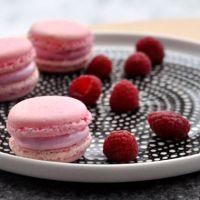 Raspberry Marshmallow Macarons | 1001 makron