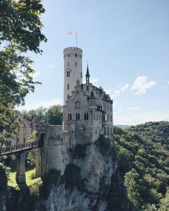Burg Hohenzollern Schloss Lichtenstein Baden Wurttembergs Marchenschlosser Black In 2020 Schloss Lichtenstein Schlosser Baden Wurttemberg Burgen Baden Wurttemberg