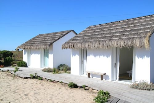 Casas na areia comporta by petite passport love to for Comporta luxury hotel