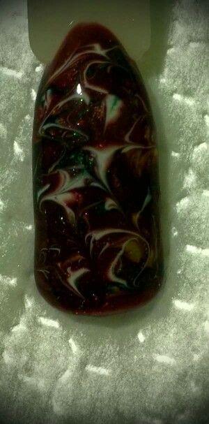 LCN #gelnails #red #green #gold #white #marble #LCNproductsonly #facebookgetnailedbyApril #christmas