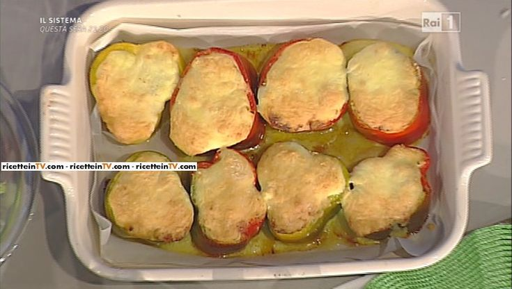 """La ricetta dei peperoni ripieni con crosta di mozzarella di Sergio Barzetti del 18 aprile 2016, a """"La prova del cuoco"""""""