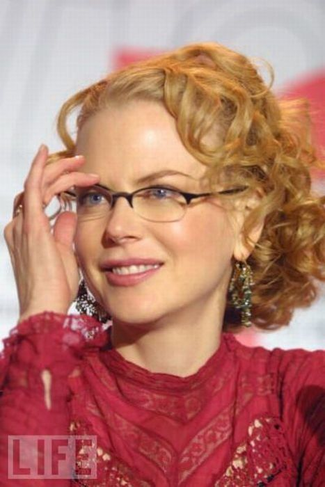 10 Most Iconic Celebrities With Glasses