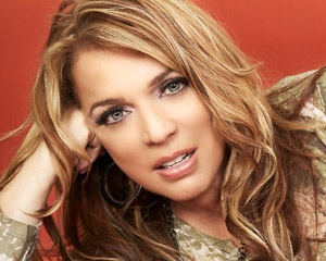 Ednita Nazario (born April 11, 1955 in Ponce, Puerto Rico) is a Puerto Rican singer and songwriter who has achieved stardom both at home and abroad. She has been in the music business from a young age, and has released over twenty albums throughout her career.