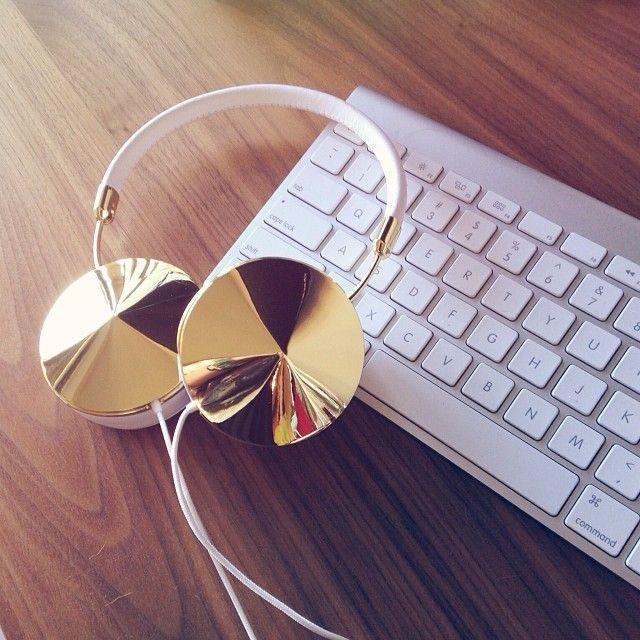 The Sorority Secrets: Frends Headphones