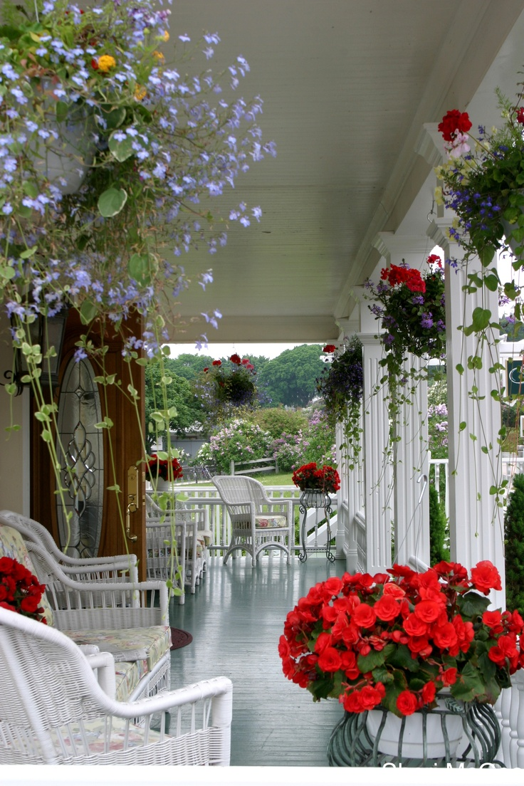 How Wonderful Is This Front Porch? I Want To Go There With My Best Friend