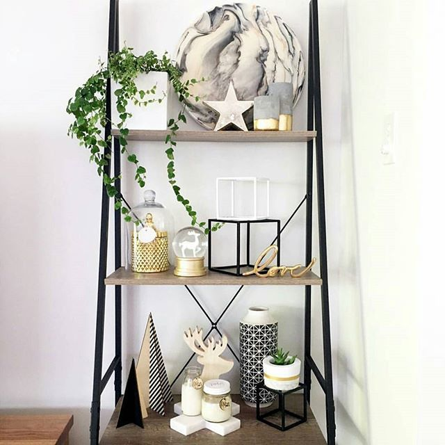 Good Morning Beautiful People!! I hope everyone has a fab day. I love a good looking shelfie and this one styled by @beautiful_things_by_bec is gorgeous. The shelf, reindeer head, marble cross and reindeer snow globe are all from @kmartaus to see all the tags head to Bec's page. Thanks for sharing beautiful  #addictedtokmart #kmartaus #Kmartaddict #kmart #addictedtobargains #shoppingaddict #shelfie #homedesign #homedecor #homestyling