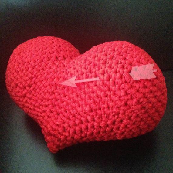 Diy pdf patr n coraz n amigurumi almohada cojin crochet for Cojines de trapillo