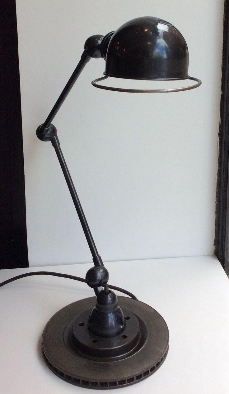 Jieldé Signal pöytävalaisin 50 luvulta Ranskasta . tässä asennossa korkeus 85 cm. kuvun halkaisija 16 cm . @kooPernu