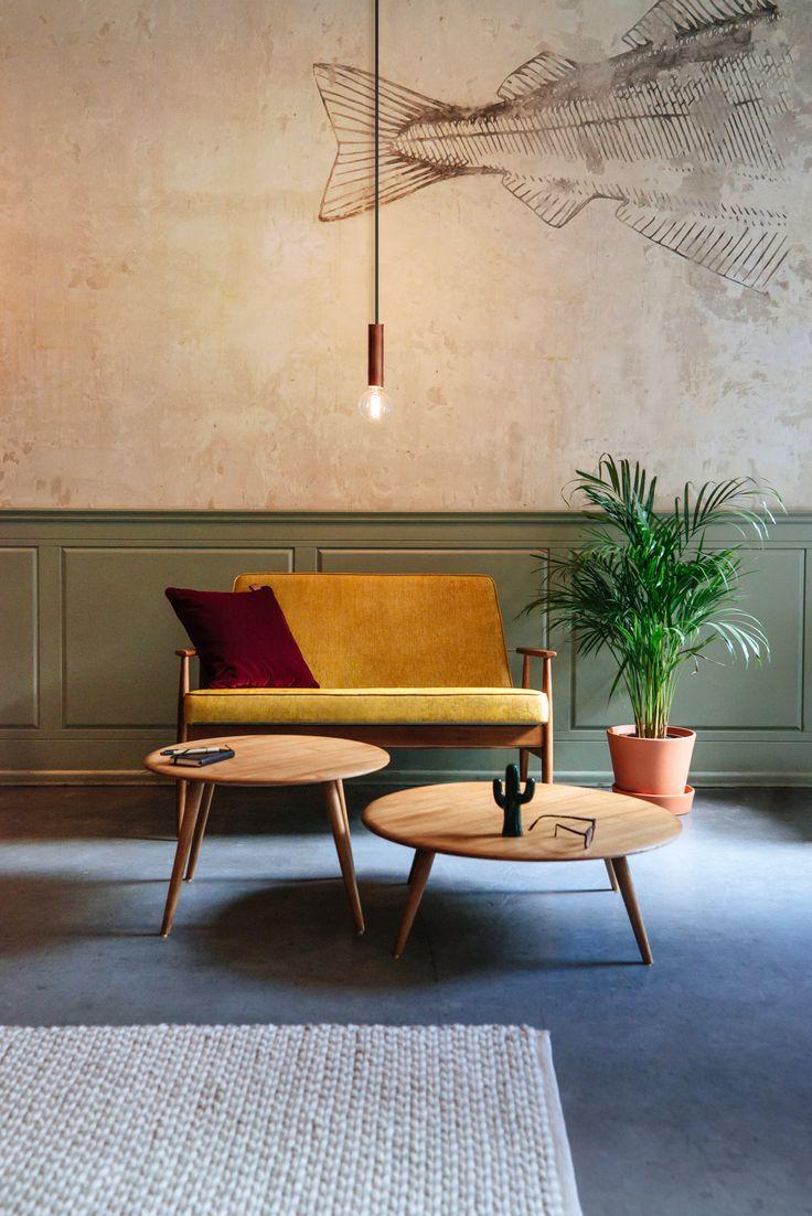 Sofa Fox marki 366 Concept. Idealna propozycja dla miłośników stylu retro i nie tylko! Znajdź więcej na: www.euforma.pl #sofa #366concept #furniture #retrofurniture #design #polishdesign