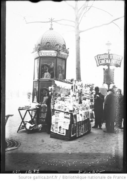 french newsstand 1912 photo source biblioth que. Black Bedroom Furniture Sets. Home Design Ideas