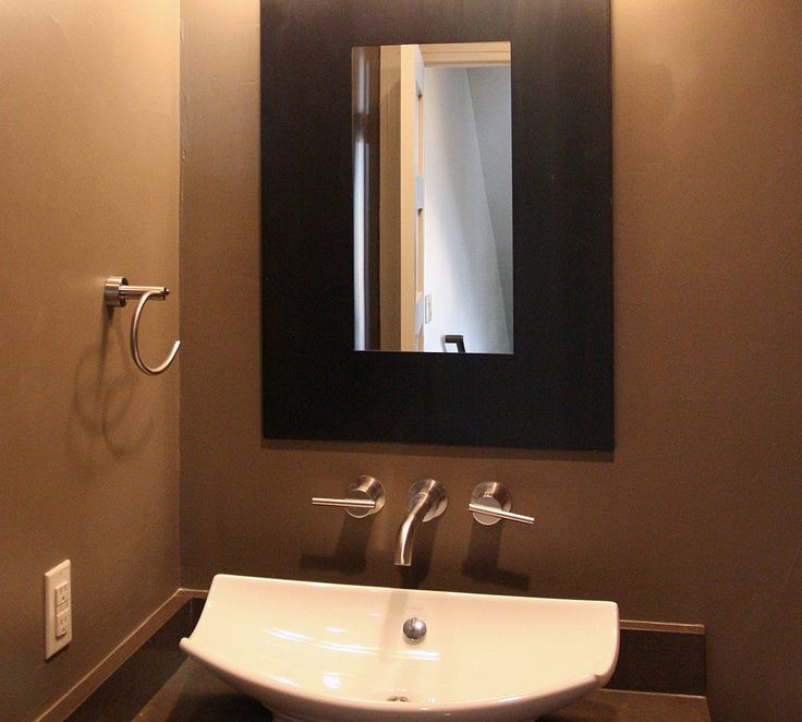 1000 ideas about small powder rooms on pinterest small half baths powder rooms and toilet room. Black Bedroom Furniture Sets. Home Design Ideas