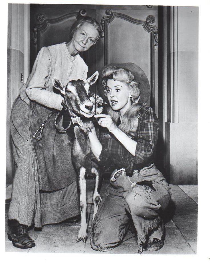 Beverly Hillbillies Irene Ryan and Donna Douglas B/W 8x10 Photograph