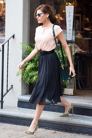 Eve Mendes, casual, cool