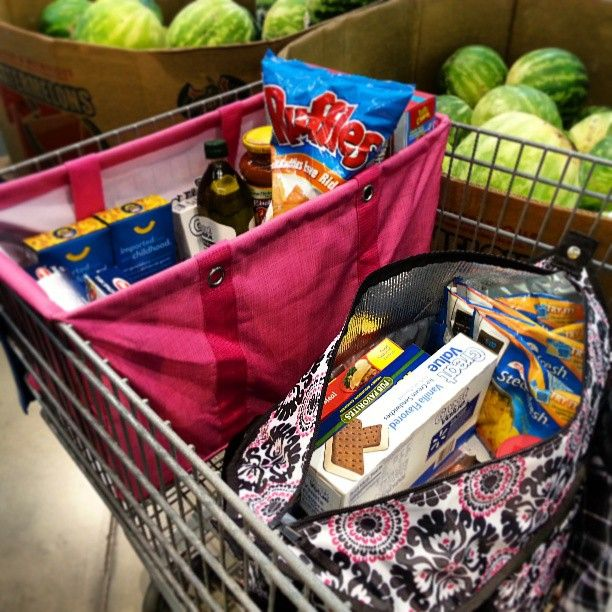 A Large Utility Tote and a Market Thermal are perfect for grocery shopping!www.mythirtyone.com/alcarrio get yours today!