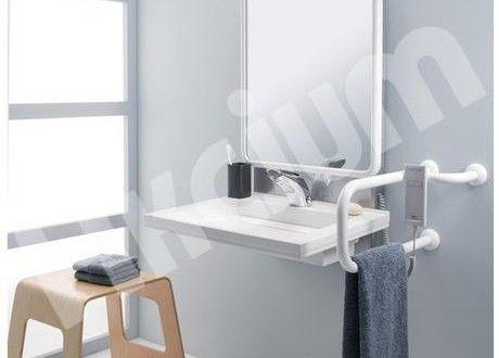 Umywalkaw łazience dla niepełnosprawnych