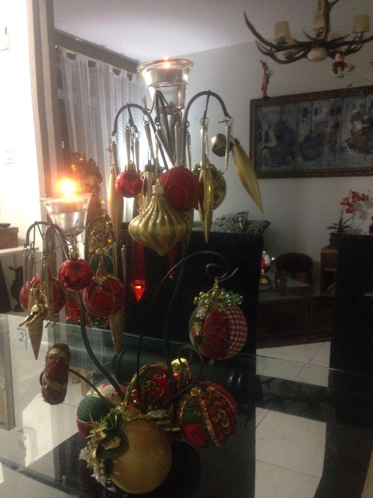 Centro de mesa com velas .