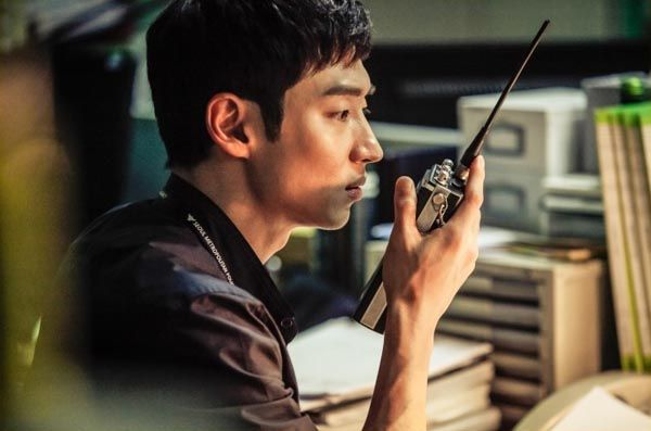 tvN provides early look into crime thriller with Signal: The Beginning