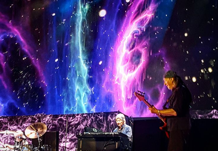 Amazing visuals and a great band! Deep Purple, The Long Goodbye Tour in Bucharest