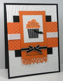 Stamps: create a cupcake, teeny tiny wishes  Paper: black, white, pumpkin pie  Ink: Memento tuxedo black and tangelo  Accessories: Martha Stewart spider web border punch and bat punch, 3/8 inch grosgrain ribbon, Cuttlebug spiderweb embossing folder, SU cupcake punchCards Ideas, Halloween Cards, Birthday Cards, Cupcakes Cards, Halloween Cupcakes, Cupcakes Style, Cards Halloween, Cupcakes Rosa-Choqu, Happy Halloween