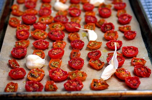 Slow roasting = most delicious tomatoes EVER: Slow Roasted Tomatoes, Fun Recipes, Slowroast Tomatoes, Slowroast Cherries, Cherry Tomatoes, Roasted Garlic, Cherries Tomatoes, Tomatoes Recipes, Smitten Kitchens