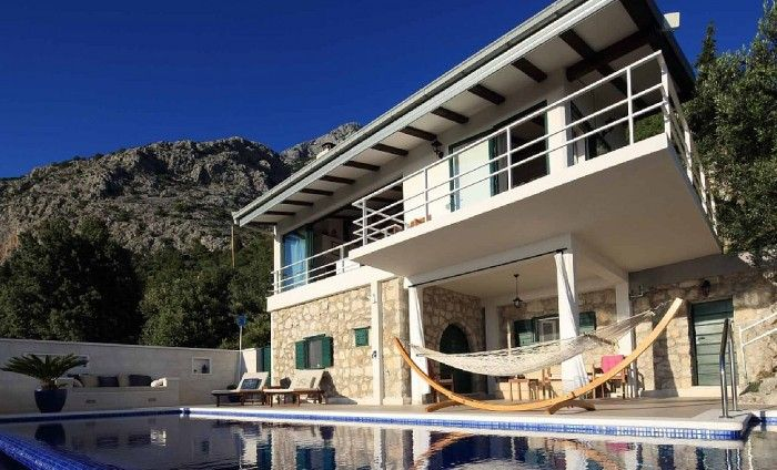 Makarska-Touristik bietet Ferienhäuser und Villen mit Pool in Brela, Dalmatien & Kroatien zum besten Preis also buchen Sie jetzt!