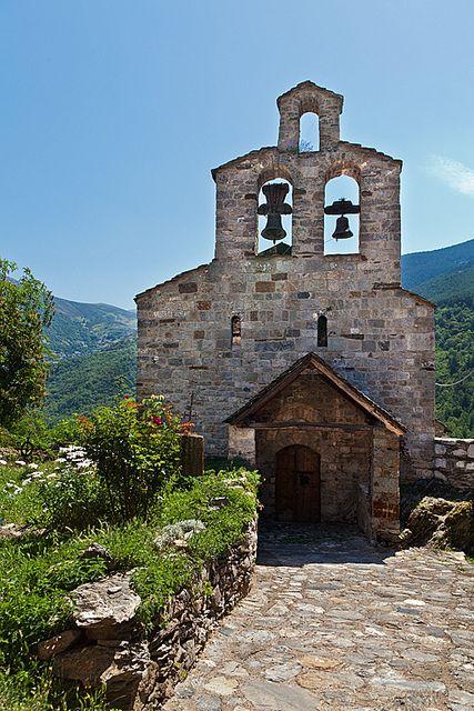 Santa Maria de Cardet,  Alta  Ribagorça,  comarca de Lérida que limita con el Valle de Arán