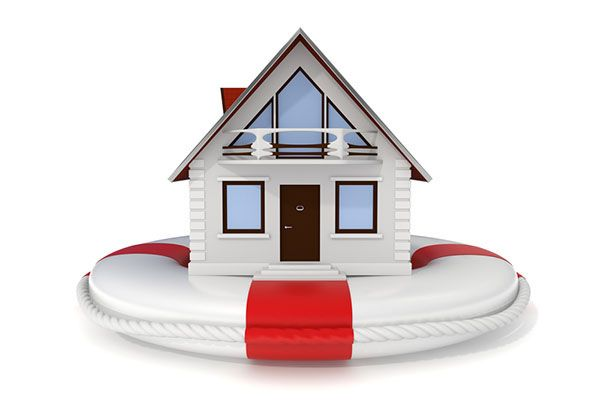 What's the Difference: Homeowners Insurance vs. Home Warranty | While both are great protections to have, home insurance and home warranties offer different types of protection. #HomeMattersBlog