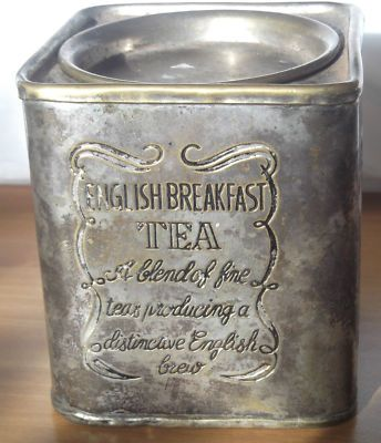 beautiful vintage tea tin - I have one similar to this that I found tucked away in a corner of a lovely antique store
