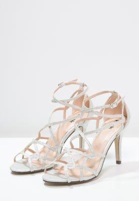 Eine Prinzessin kann keine schöneren Schuhe tragen. Paradox London Pink ROBYN - Sandaletten - pale silver für € 89,95 (25.09.16) versandkostenfrei bei Zalando.at bestellen.