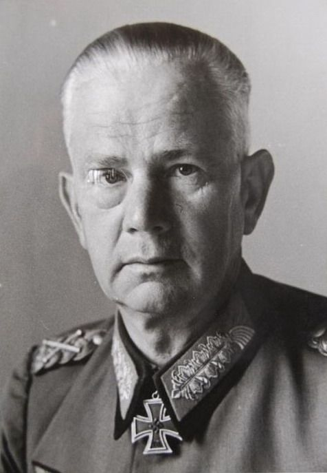 ✠ Walther von Reichenau (8 October 1884 – 17 January 1942) suffered a heart attack, and was placed on a plane for hospitalization in Leipzig, Germany. He died when his plane crashed during landing. RK 30.09.1939 Generaloberst OB 10. Armee