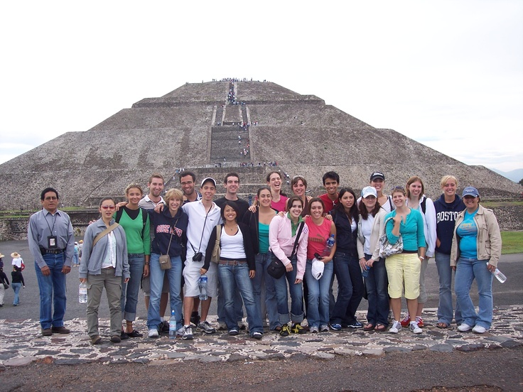 Group of USC students at the Teotihuacan in Mexico