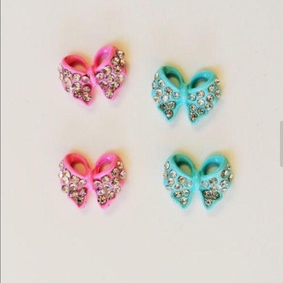 3d nail art, bow knot nail charm, elegant nail gem these nail charms are new and unused, you will get 4 pcs of nail charm, 2 pcs of each color. I ship the next day.  size is 7mm x 9mm Accessories