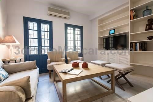 Cerrajería superb apartment by Hommyhome Sevilla Located 700 metres from Triana Bridge - Isabel II Bridge in Seville, this apartment features free WiFi. The air-conditioned unit is 800 metres from Plaza de Armas.