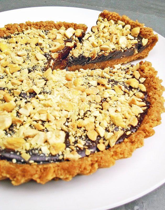 Torta fit de chocolate com castanhas (calorias reduzidas)