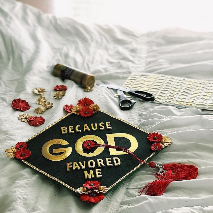 Amber Lacy (@amberlacyy) 's Because God Favored Me UNT graduation cap design