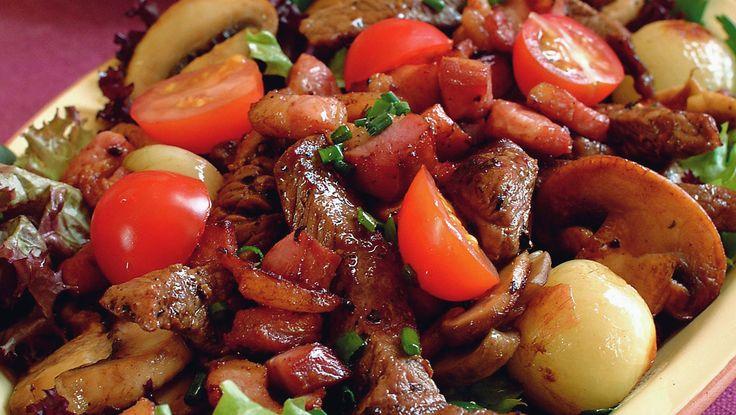 Biffsalat med bacon