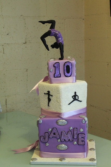 gymnastics by Tammie Coe Cakes, via Flickr