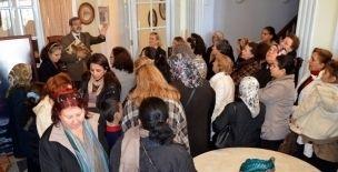 Gaziemirli Kadınların Tarihe Yolculuğu - http://gaziemir.izmirgundem.com/haber/gaziemirli-kadinlarin-tarihe-yolculugu.html